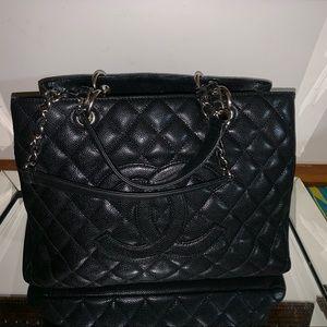 Authentic Chanel Gst caviar handbag